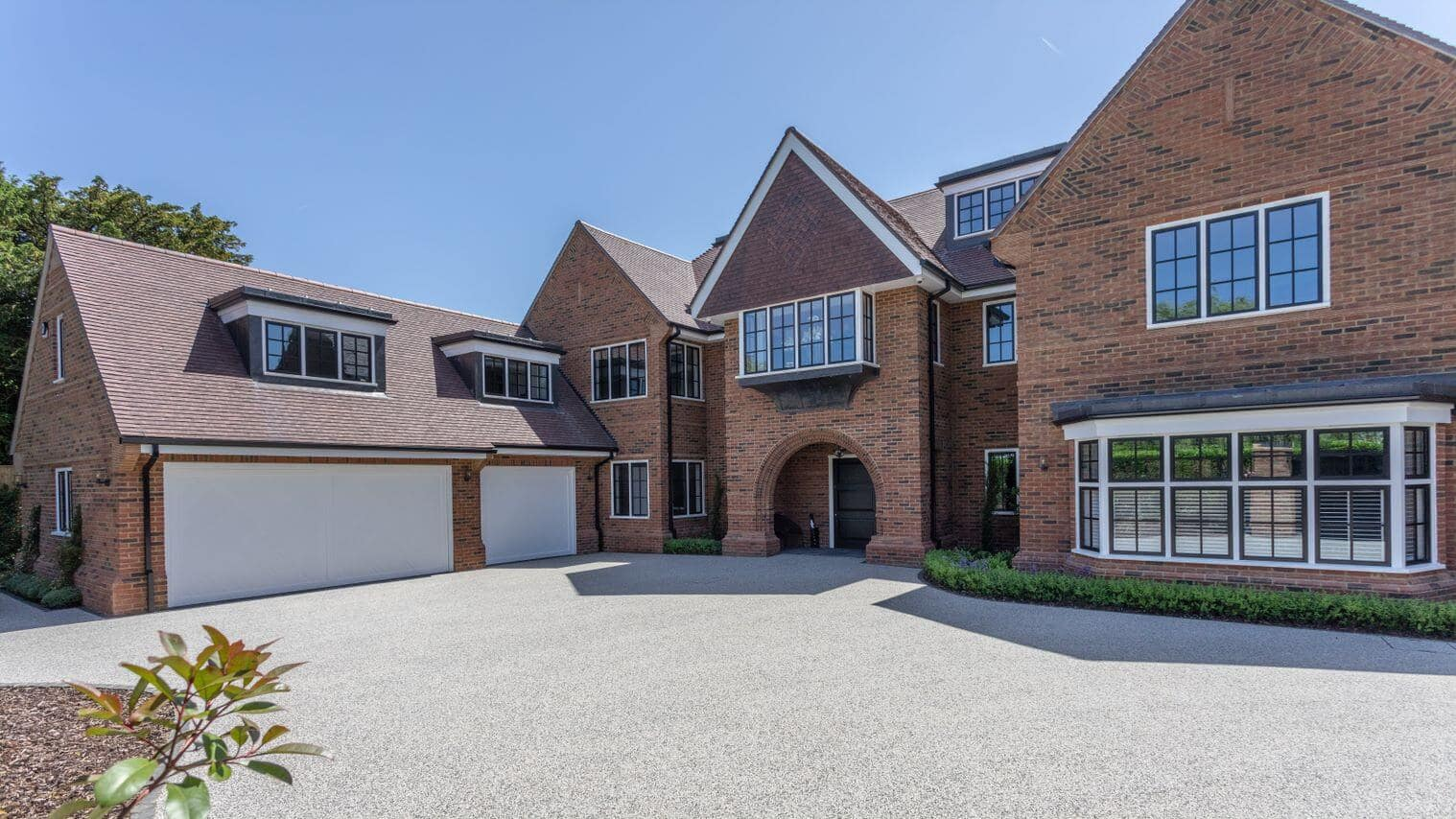 High-quality residential property in Beaconsfield showing Marley's Acme Double Camber